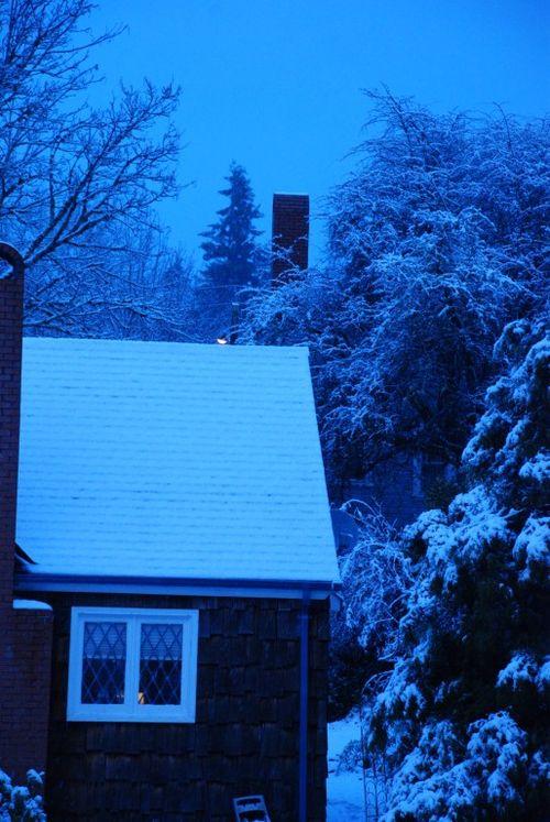 Porch snow 058 [1024x768]