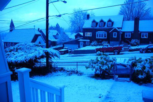 Porch snow 025 [1024x768]