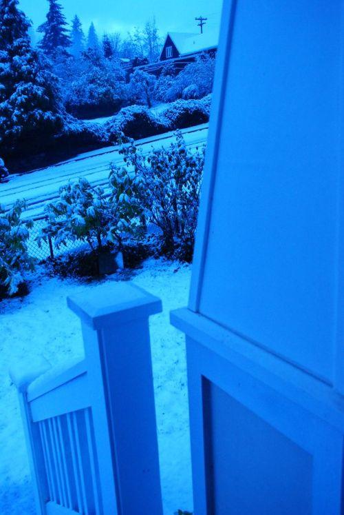 Porch snow 035 [1024x768]