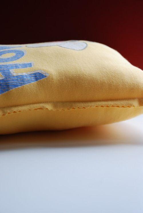 T pillows 020 [1024x768]